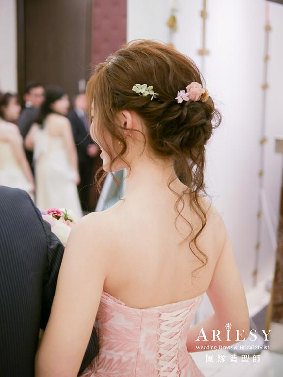 粉紅色禮服髮型,鮮花造型,台北新秘,新秘編髮,新娘妝