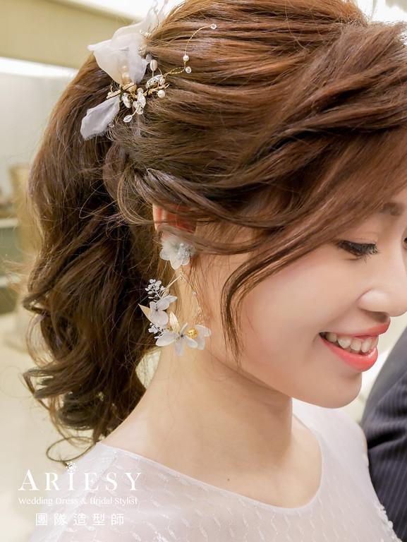 敬酒造型,馬尾造型,花耳環,新娘秘書,淺藍色禮服髮型