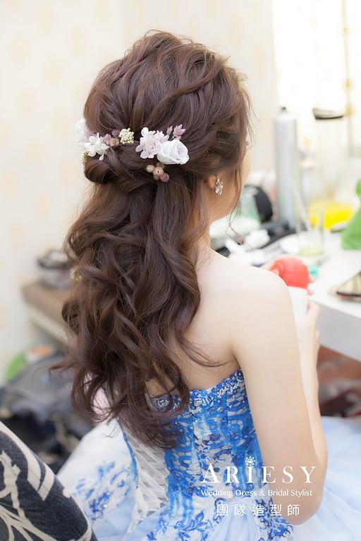 新祕,新娘秘書,新娘造型,自然清透妝感,蓬鬆編髮,花藝飾品,新娘髮型,甜美風