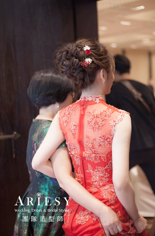 台北新祕,新娘秘書,新娘造型,編髮新祕,文定造型,自然清透底妝,新娘髮型,編髮造型,紅禮服造型