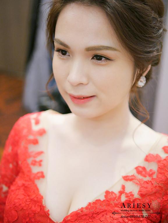 新娘秘書,台北新秘,清透新娘妝,盤髮新娘造型,文定造型,新娘髮型