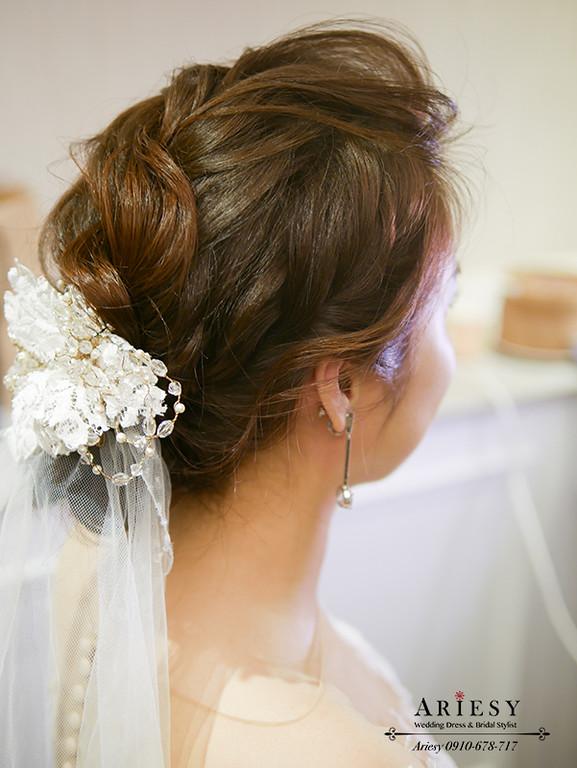 新娘秘書,台北新秘,自然新娘妝感,白紗新娘造型,婚禮造型,日系馬尾新娘髮型