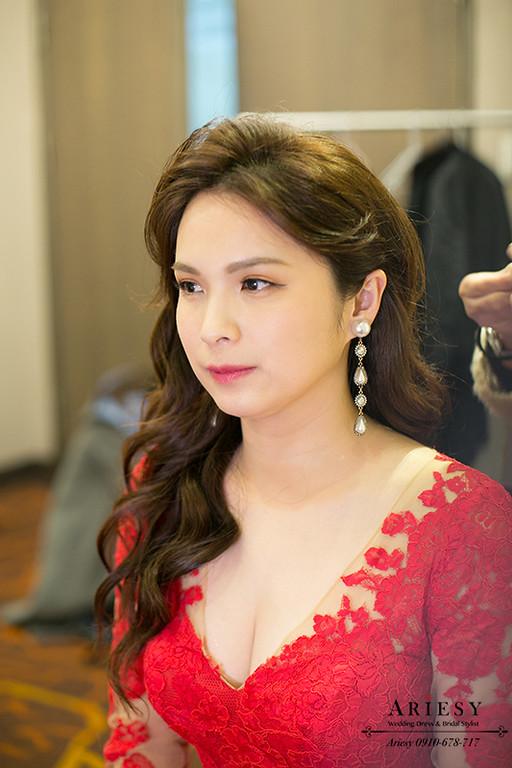 新娘秘書,台北新秘,清透自然妝感,歐美新娘造型,禮服髮型,大波浪髮型