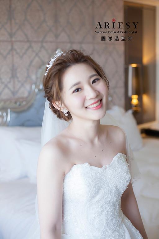台北新祕,新娘秘書,新娘造型,自然輕透妝感,蓬鬆編髮,白紗造型,新娘髮型,細軟髮質