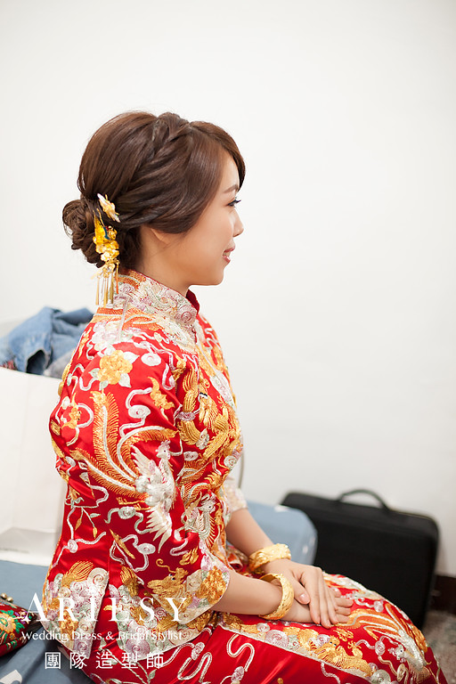 蓬鬆編髮,台北新秘推薦,自然妝感,龍鳳褂造型,文定造型