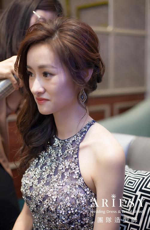 台北新祕,新娘秘書,新娘造型,自然清透妝感,蓬鬆編髮,送客造型,新娘髮型,瘦新娘