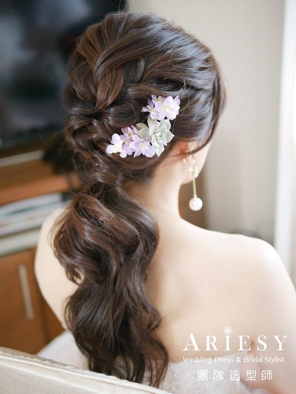 粉橘色禮服,敬酒髮型,鮮花造型,新娘髮型,短髮新娘
