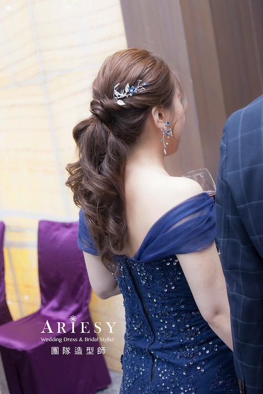 推薦新祕,新娘秘書,新娘造型,自然清透妝感,蓬鬆編髮,手作飾品,新娘髮型,馬尾造型