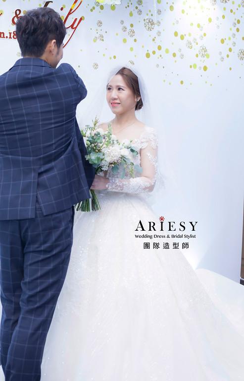 台北新祕,新娘秘書,新娘造型,自然清透妝感,蓬鬆編髮,鮮花新祕,新娘髮型,白紗造型,迎娶造型