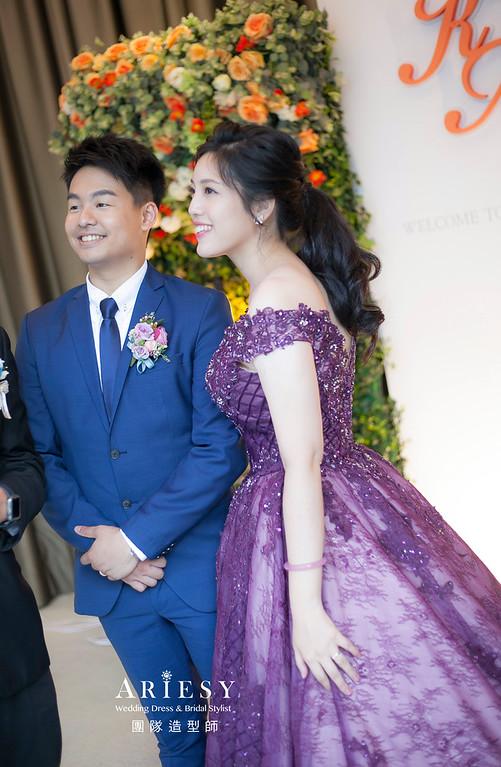 台北新祕,新娘秘書,新祕,新娘造型,自然清透妝感,花藝飾品,蓬鬆編髮,黑髮新娘,新娘髮型