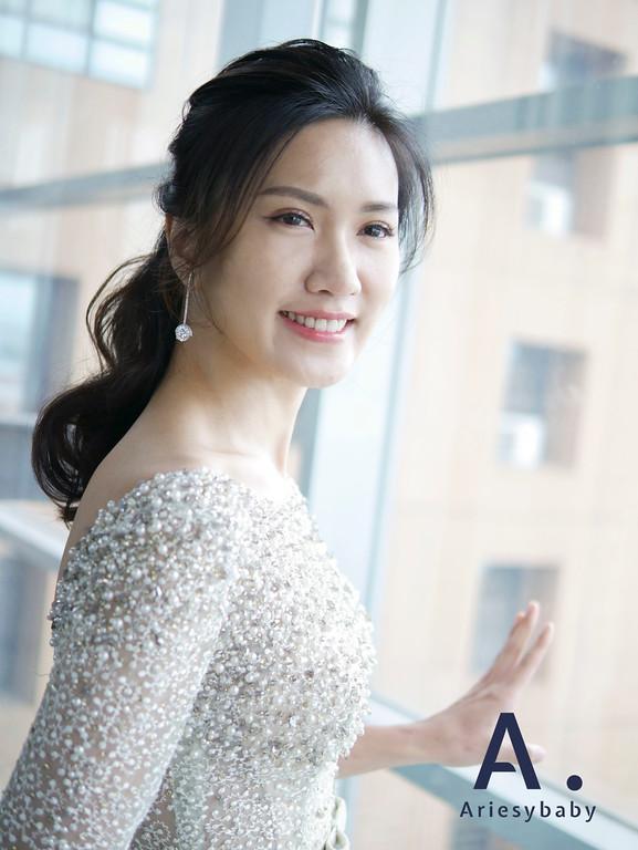新娘妝感,新娘髮型,新娘秘書,新秘推薦,綠色禮服髮型