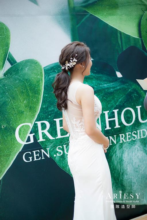 台北新祕,新娘秘書,新娘造型,自然清透妝感,蓬鬆編髮,,新娘髮型,白紗造型,教會儀式婚禮,新祕
