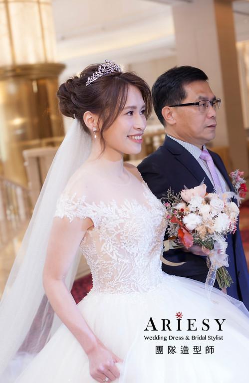 台北新祕,新娘秘書,新娘造型,新娘編髮,白紗造型,自然清透妝感,新娘髮型,盤髮造型,推薦新秘