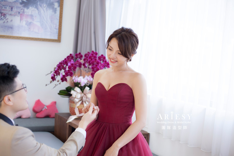 台北新祕,新娘秘書,新娘造型,新娘編髮,文定造型,清透妝感,新娘髮型,編髮造型,手作花藝飾品,推薦新秘,短髮新娘