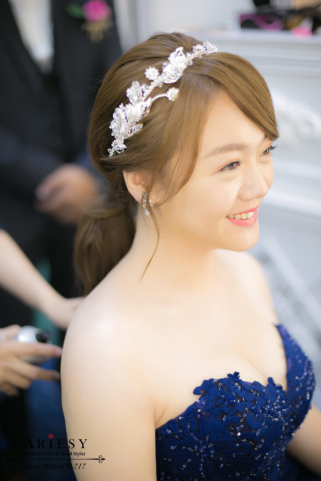 馬尾髮型,深藍色婚紗,新秘作品,新娘秘書,新娘髮型