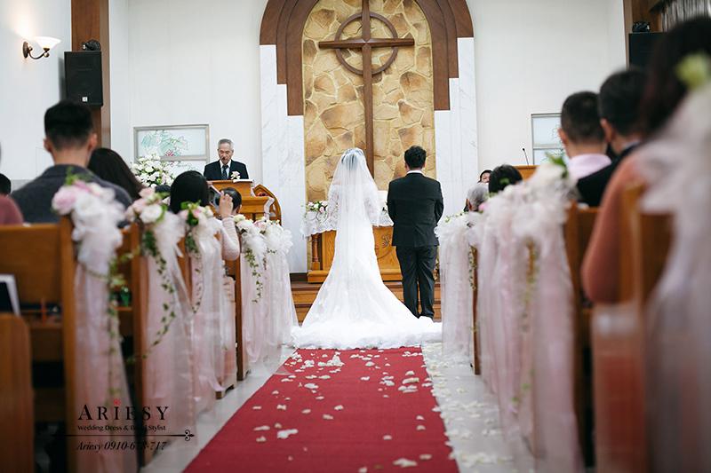 教堂婚禮,白紗造型,新娘造型,鮮花新秘,愛瑞思,康寧教會