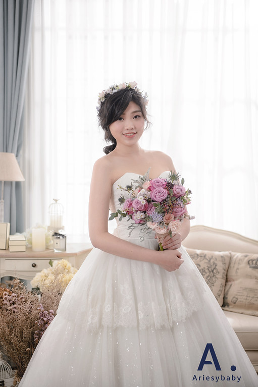 新娘秘書,黑髮造型,新娘妝髮,新秘花藝,Ariesy愛瑞思品牌訂製手工婚紗