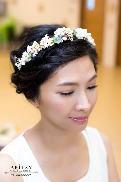 Ariesy造型團隊,歐美新秘,台北新娘秘書,鮮花新娘造型,澎鬆線條盤髮