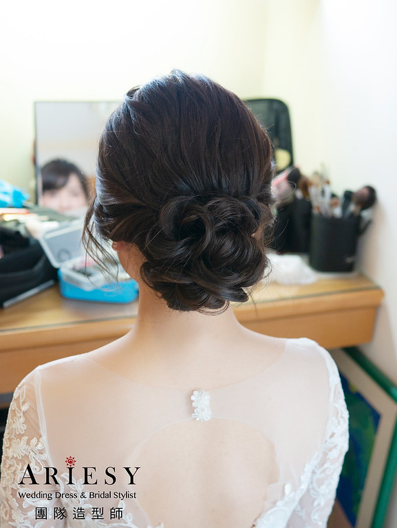 新娘秘書、花藝新娘造型、迎娶造型、自然輕透妝感、新秘推薦