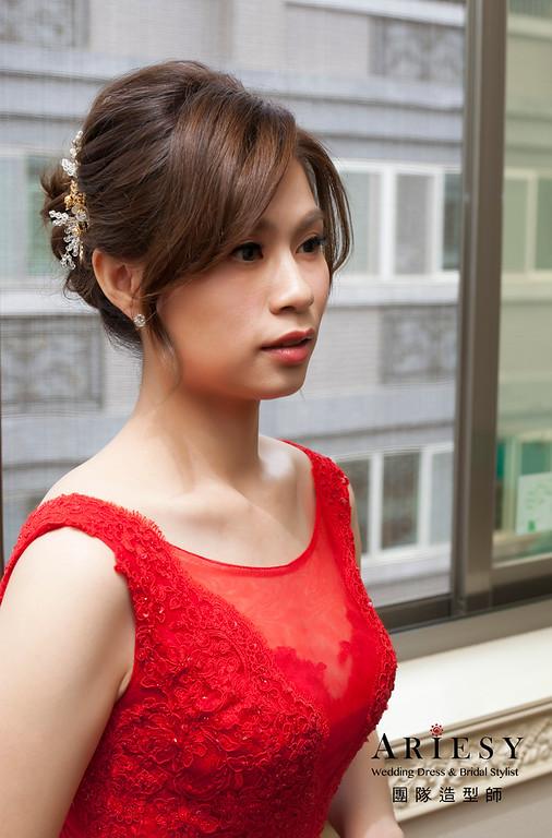 文訂新娘造型,蓬鬆編髮,新娘髮型,紅色禮服,自然妝感