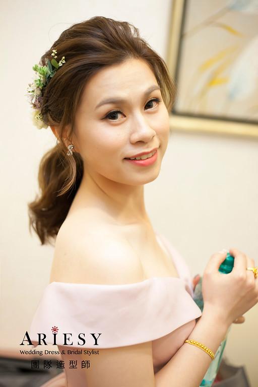 敬酒造型,編髮新娘造型,低馬尾髮型,自然妝感,鮮花花藝飾品