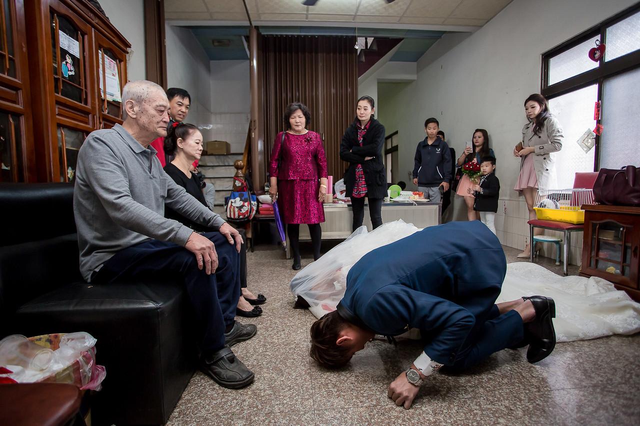 《台南婚攝》婚禮中那最燙心的不捨親情 / 東東宴會式場