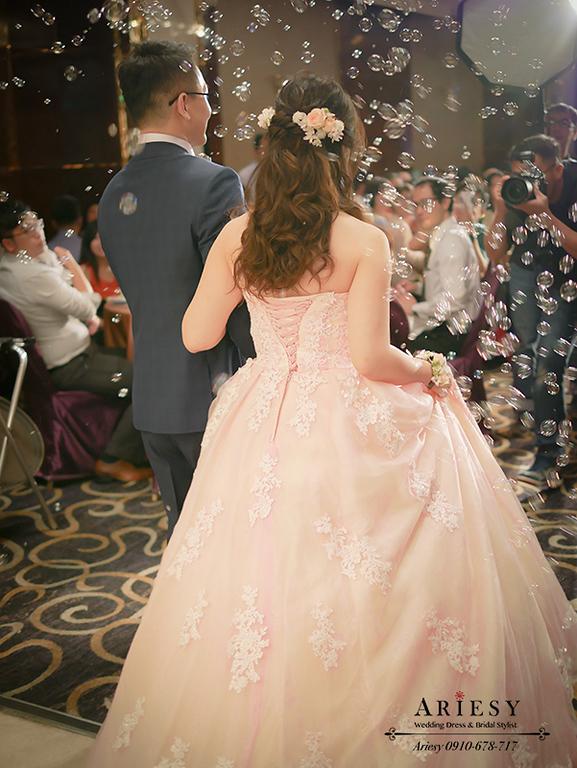 粉色禮服造型,敬酒造型,敬酒髮型,鮮花新娘造型,鮮花新秘,華漾大飯店