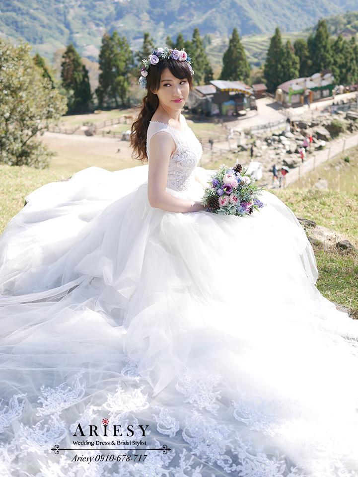 花圈造型,單眼皮新娘,鮮花造型,婚紗拍攝,婚紗攝影,婚紗造型,ariesy,青青草原