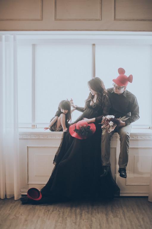 禮服出租,婚紗禮服工作室,新莊自助婚紗,手工婚紗,黑色透膚蕾絲罩衫,孕婦寫真,全家福寫真