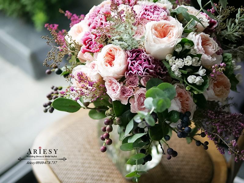 繽紛捧花,歐美風捧花,粉紅色捧花,庭園玫瑰,新娘捧花