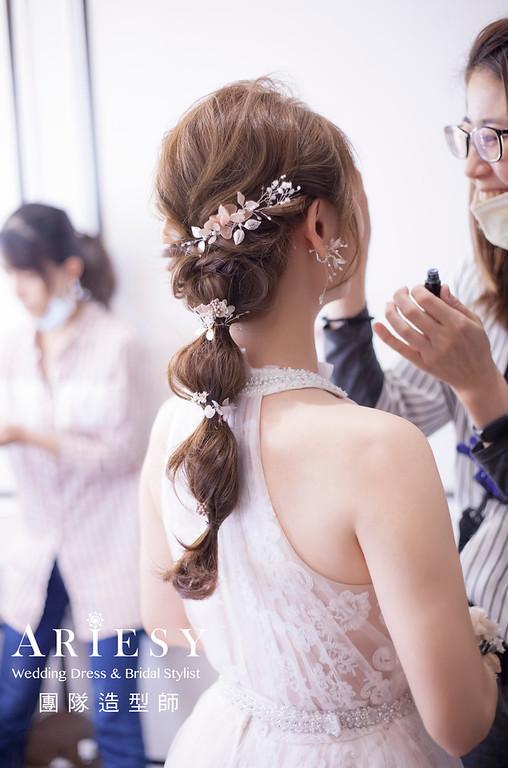 桃園新祕,新娘秘書,新娘造型,編髮新祕,送客造型,自然清透妝感,新娘髮型,編髮造型,花藝新娘飾品,推薦新祕