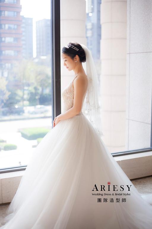台北新祕,新娘秘書,新娘造型,黑髮新娘,短髮造型,蓬鬆編髮,白紗造型,迎娶造型