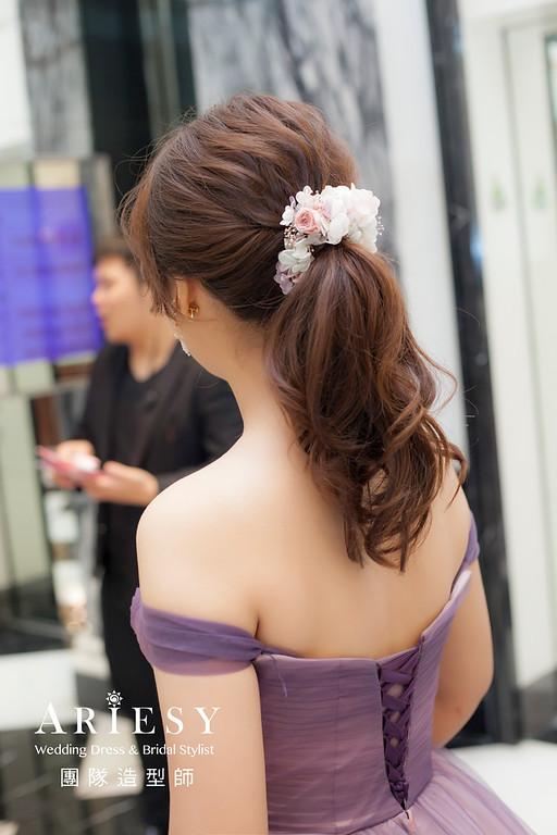 推薦新祕,新娘秘書,新娘造型,自然清透妝感,蓬鬆編髮,馬尾造型,新娘髮型,新祕,花藝飾品造型
