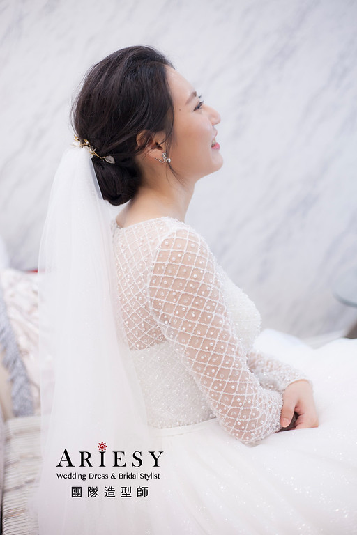 台北新祕,推薦新祕,新娘秘書,新娘造型,自然清透妝感,蓬鬆編髮,新娘髮型,黑髮新娘,歐美風,婚宴造型