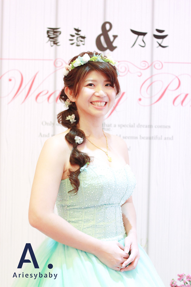 鮮花花圈,美式花圈造型,新娘花冠,中部新秘,新娘編髮,Ariesybaby團隊