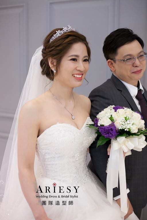 白紗造型,編髮新娘造型,鮮花花藝飾品,鮮花新祕,進場新娘髮型,新祕推薦