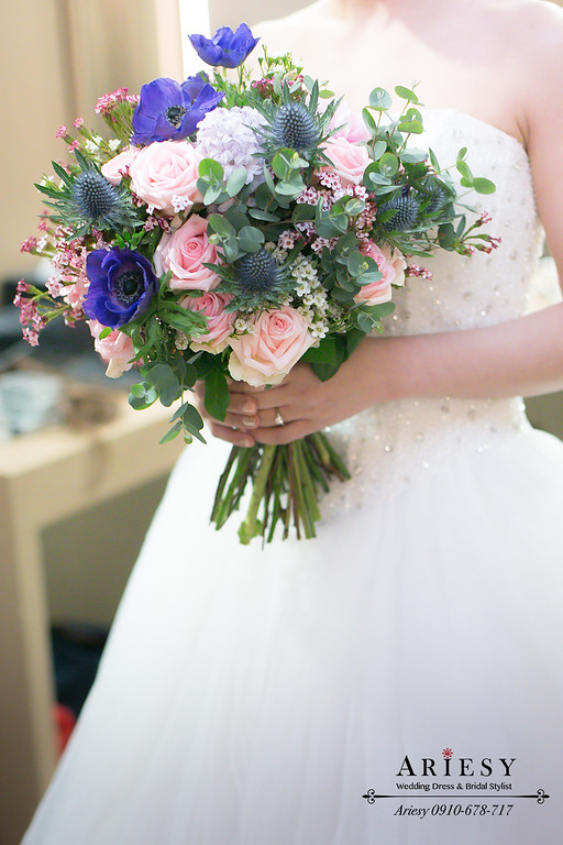 白頭翁花,薊花,新娘捧花,台北新秘,田園捧花,玫瑰捧花,繽紛捧花