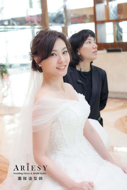 白紗造型,編髮造型,新祕,新娘秘書,新娘造型,證婚造型,花藝飾品