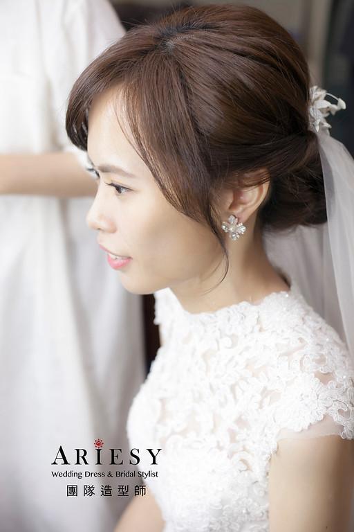 白紗造型,盤髮造型,台北新祕,新娘秘書,新娘造型,自然清透妝感,蓬鬆編髮