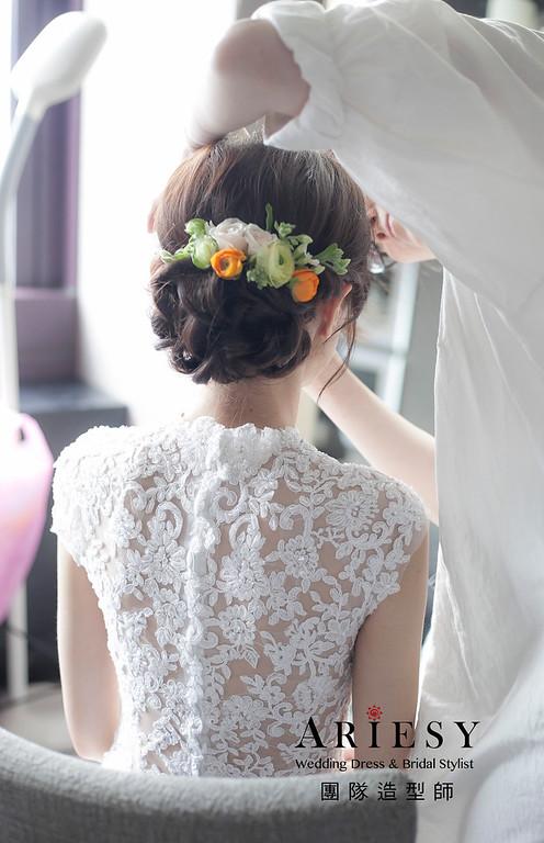 新娘髮型,編髮造型,台北新祕,新娘秘書,花藝飾品,花藝新娘造型,低馬尾造型,自然清透妝感,