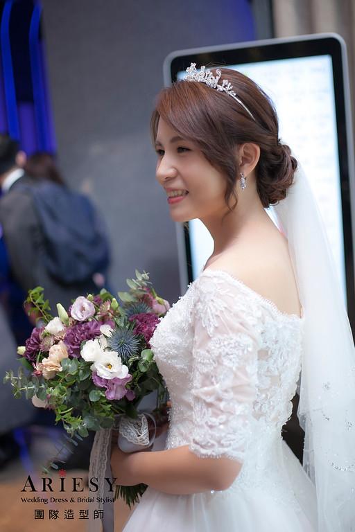 白紗造型,編髮造型,進場新娘髮型,鮮花飾品,新娘造型,教會婚禮,新祕
