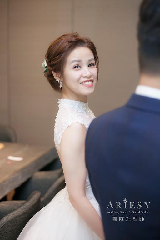 白紗造型,編髮造型,新娘髮型,新娘祕書,新娘造型,鮮花新祕,清透妝感