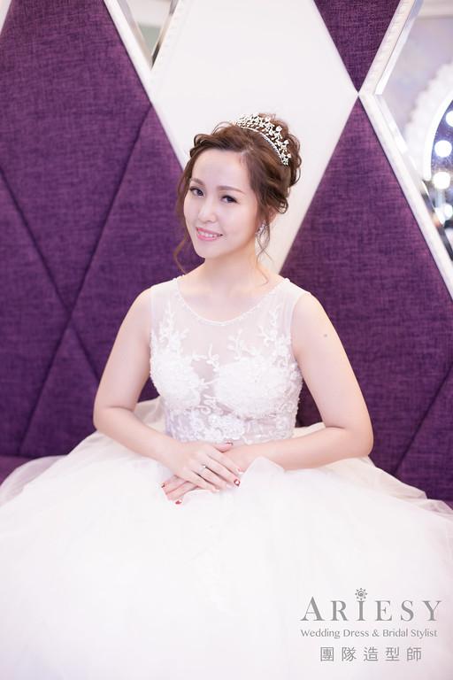 白紗進場髮型,編髮造型,皇冠造型,新娘髮型,宴客造型