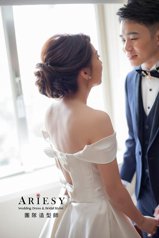 台北新祕,新娘秘書,新娘造型,自然清透妝感,蓬鬆編髮,歐美風,新娘髮型,白紗造型