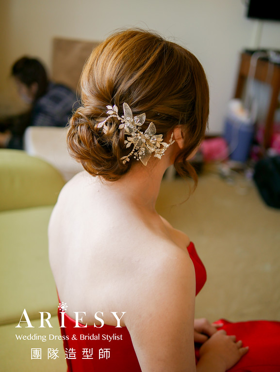 空氣感編髮,歐美風格,自然妝感,紅色禮服造型,文定造型