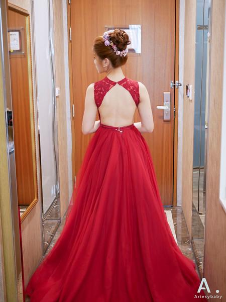 ARIESY 愛瑞思品牌訂製手工婚紗,新娘秘書,Ariesybaby造型團隊,新娘造型,花藝飾品