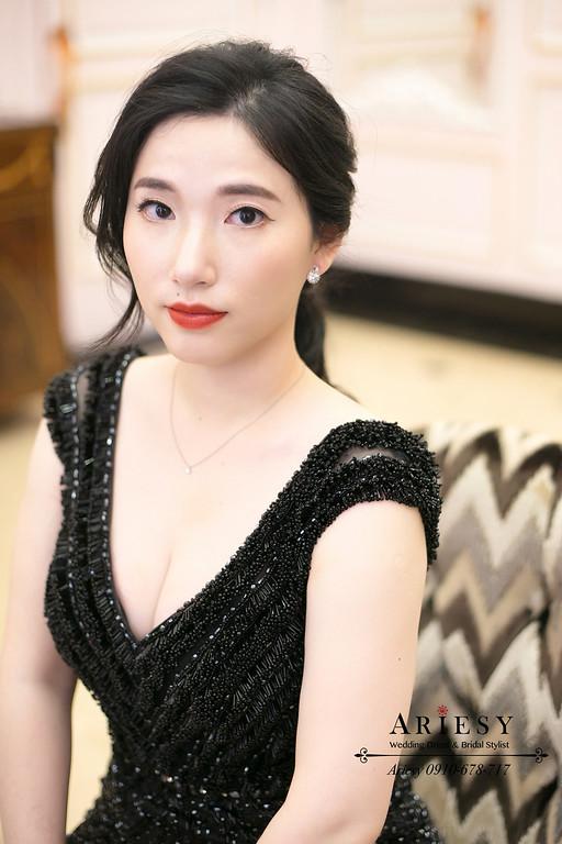 愛瑞思新娘秘書,送客造型,台北ARIESY新秘,新秘推薦,單眼皮新娘,黑髮新娘造型,黑色禮服新娘造型