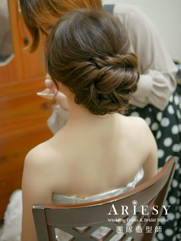 迎娶造型,新秘花藝,新娘鮮花造型,蓬鬆盤髮,台北新秘推薦