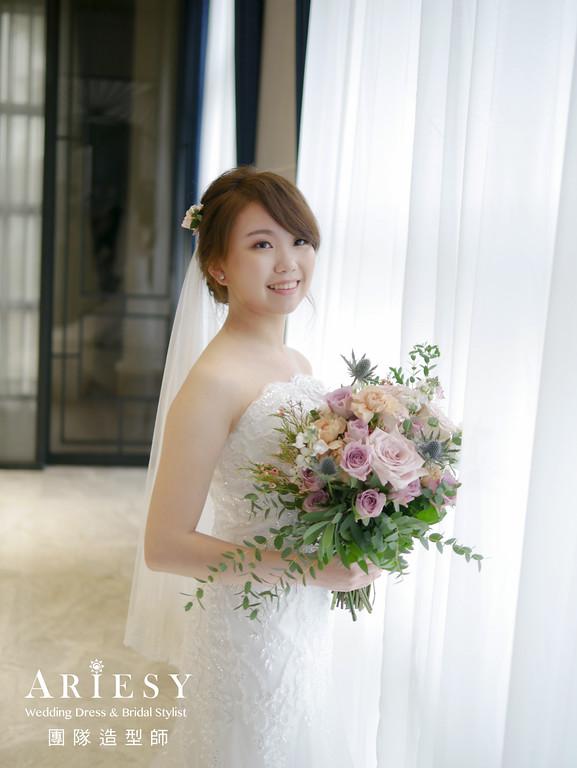 證婚髮型,新秘推薦,單眼皮新娘,蓬鬆盤髮,宴客捧花