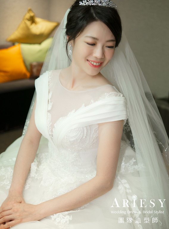 新娘秘書、皇冠新娘造型、自然妝感、新秘、花藝造型